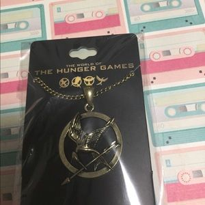 *5/$15* hunger games mockingjay necklace